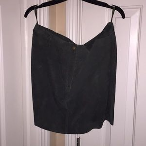 Vintage 90's skirt by Hugo Buscati. 100% leather.